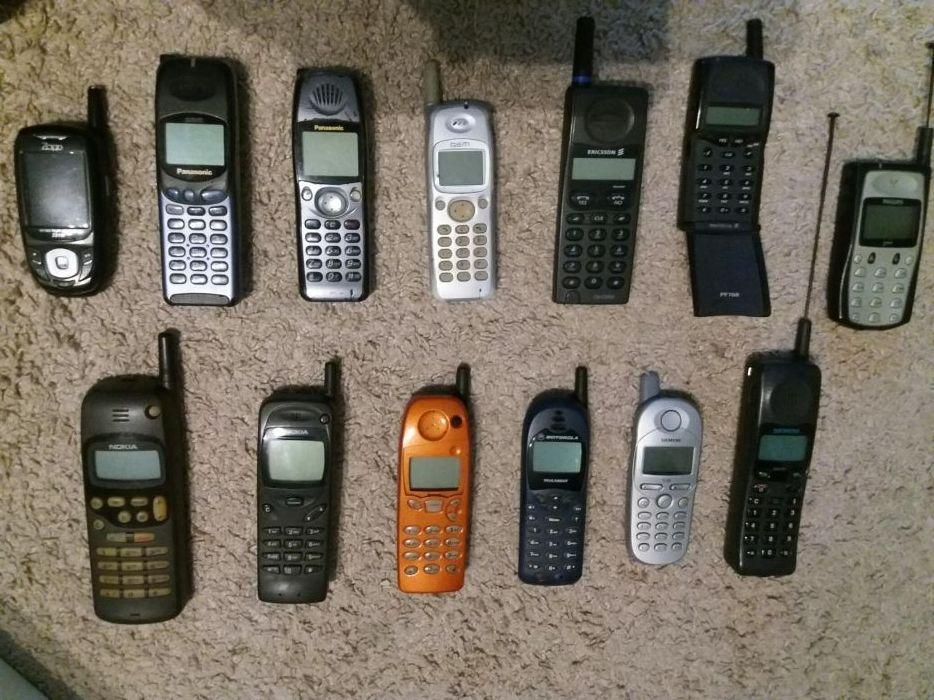 Telefon gsm vintage vechi functional cu incarcator 220v- colectie