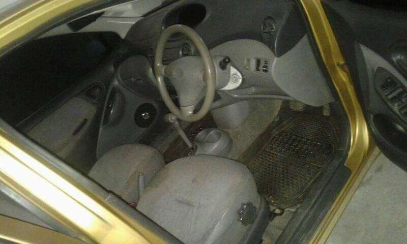 Toyota vitz bem conservado Alto-Maé - imagem 4