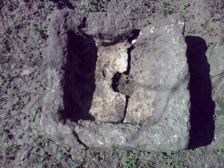 Каменни кашпи /дялан камък/