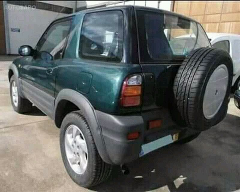 Toyota Rav4 Desportivo Ingombota - imagem 3