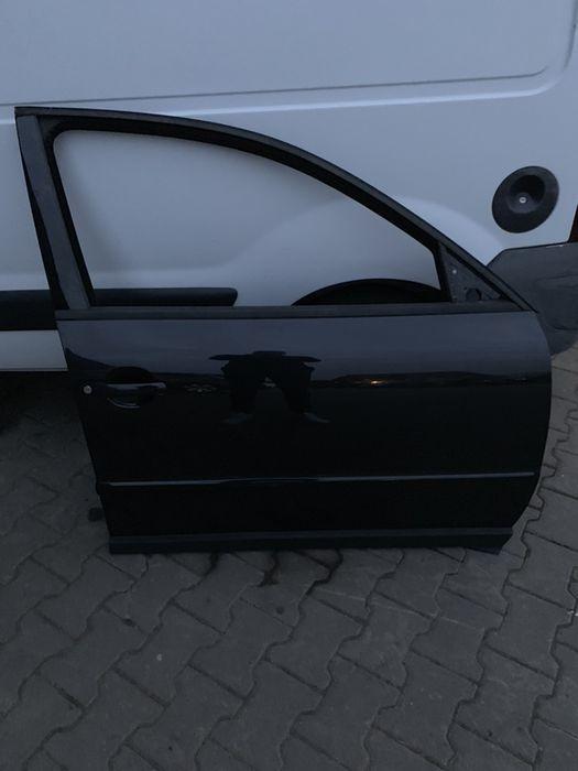 Usa dreapta fata VW Passat . Impecabila