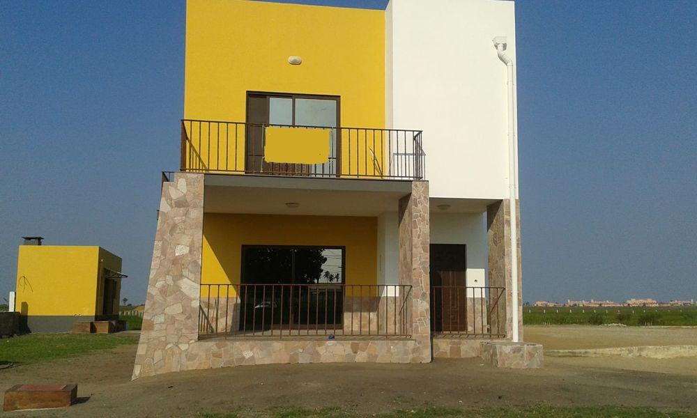 Venda se uma grande Área do espaço com uma casa feita e anexo na Beira