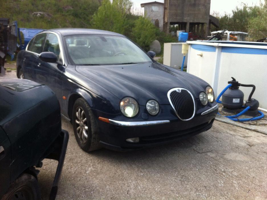 Dezmembrez Jaguar S-type an 2004 FB