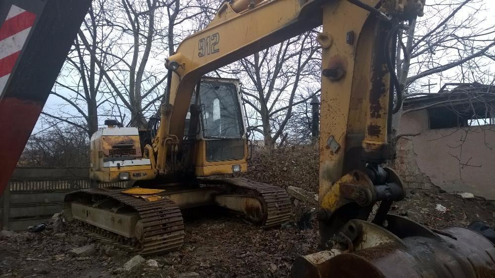 Excavator pe senile Liebherr 912, dezmembrez