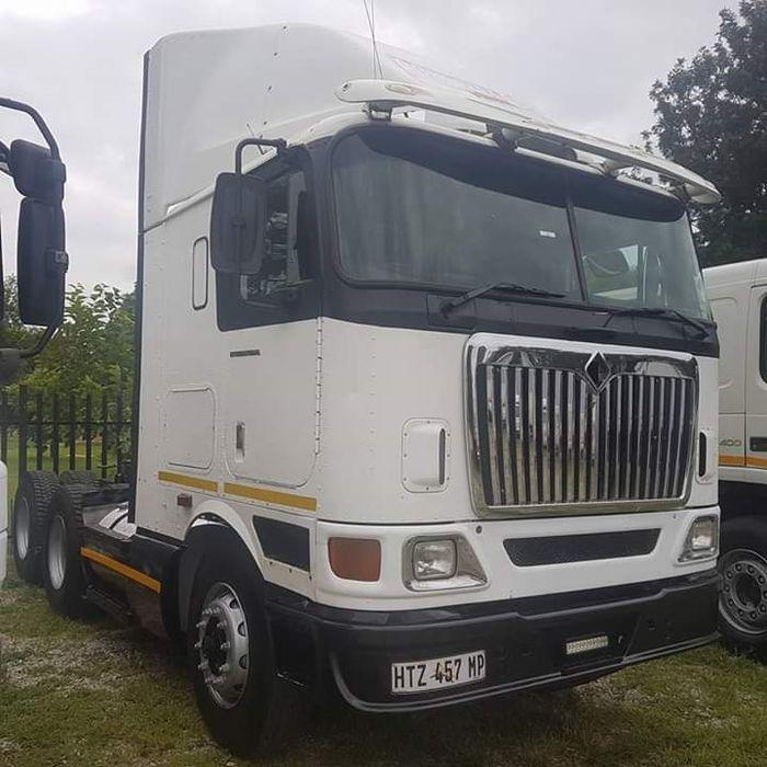 Internacional 9800i camião á venda a África do sul a 400000 randes
