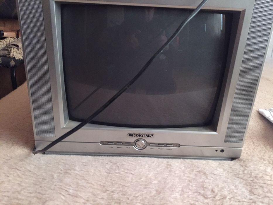 Продавам телевизор с dvd