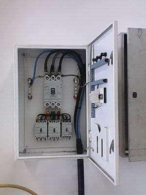 Sou electricista de construção civil e presto serviços.