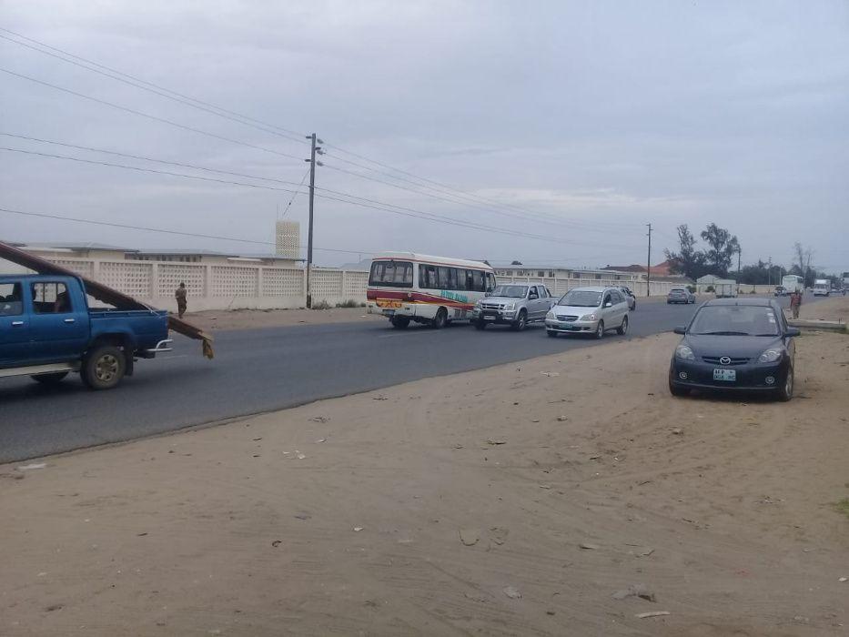Zimpeto a berma da estrada na Av.Mocambique/EN1, com 5.000m2 Vedados