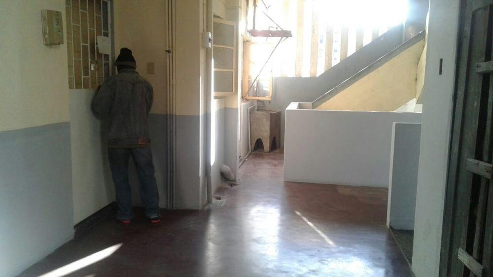 Apartamento Tipo 2 no 2° andar na Baixa...sr