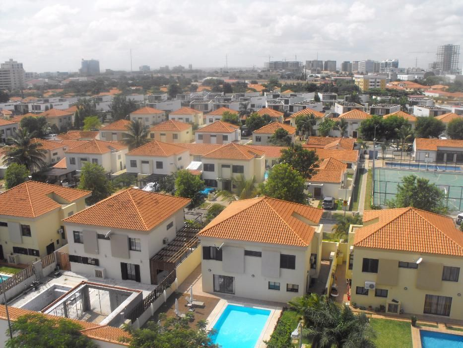 ViVenda Mobilada T3 Condomínio Maravilhas