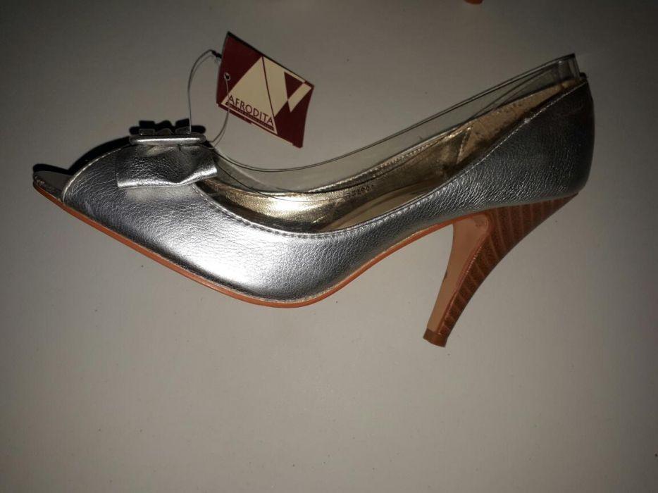 Pantofi eleganti marimea 39
