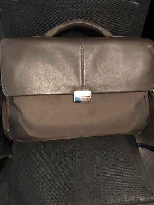 Продавам луксозна бизнес чанта Samsonite