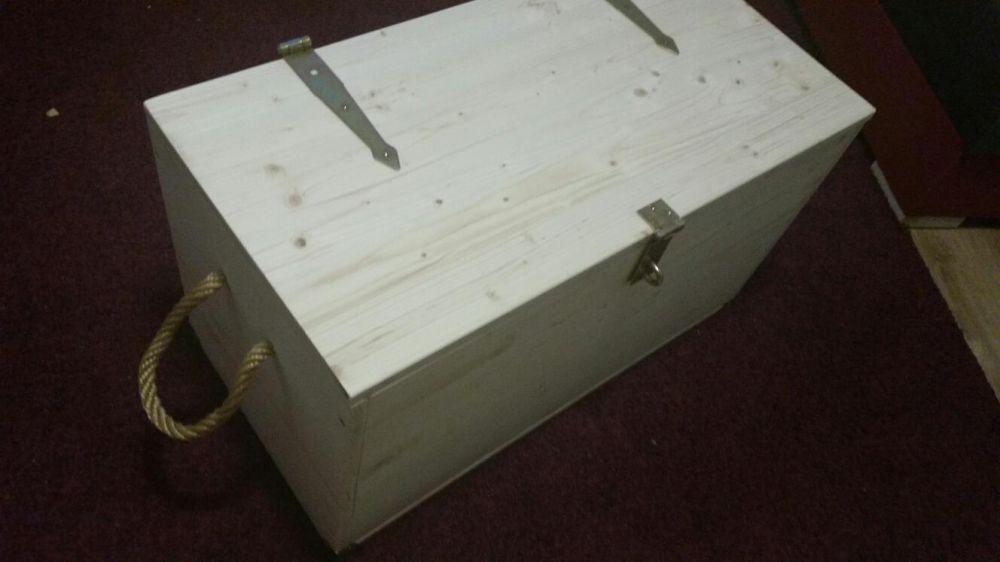 Cufar - lada depozitare din lemn