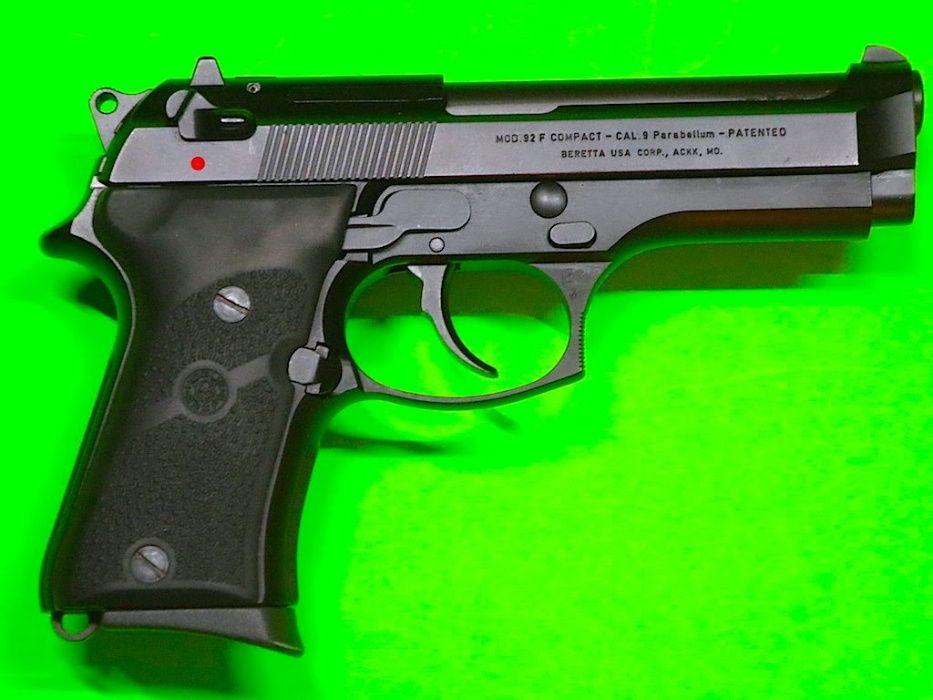 Pistol De PUTERE MARE!! Beretta (BlowBack) TOT DIN FIER Airsoft co2gaz