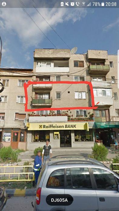 Vanzare  apartament  cu 2 camere  decomandat Valcea, Berbesti  - 13850 EURO
