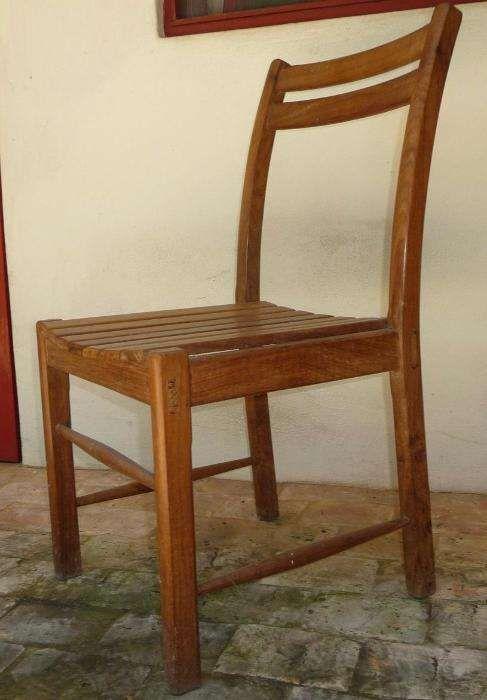 CADEIRAS 1º Qualidade e Design em Simbire - CADA DISP. 4