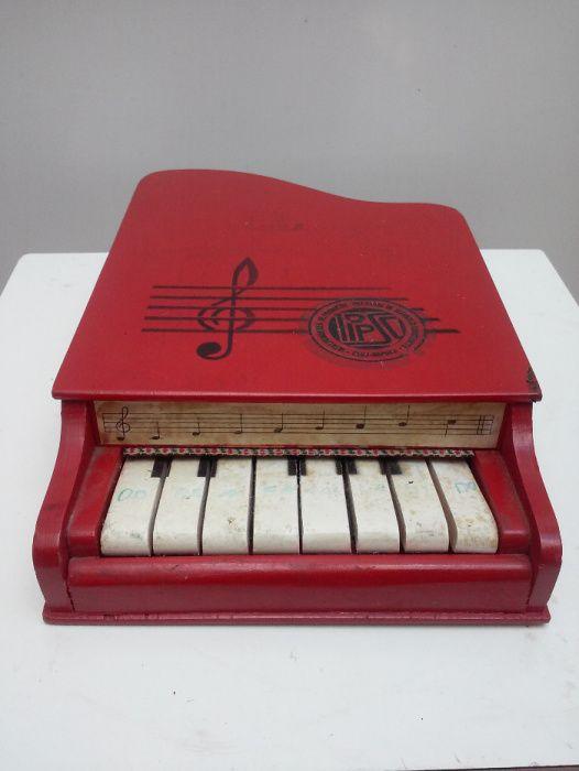pian jucarie vechi
