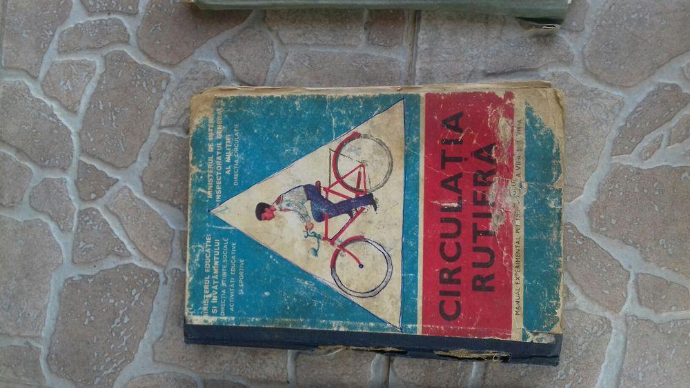 """Carte veche """"Circulația Rutieră """""""