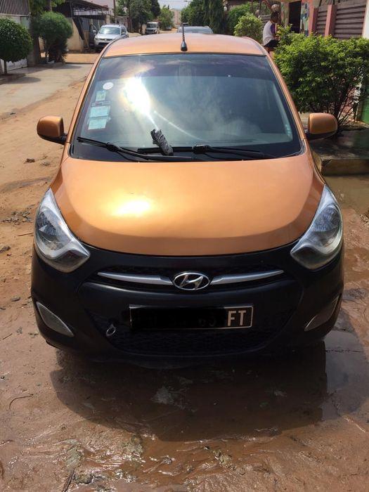 Hyundai i10 limpo 1.2