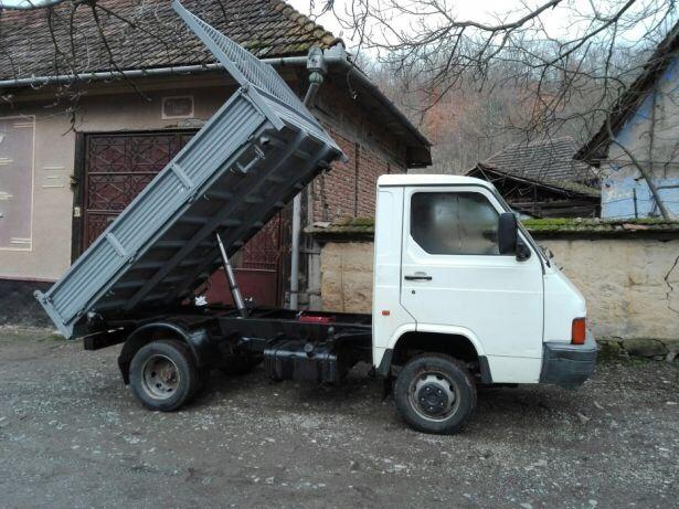 Dezmembrez Nissan Trade 3000