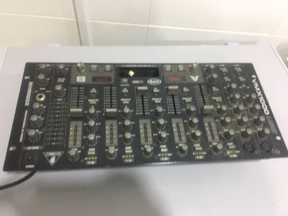 Mesa controladora de DJ Futungo de Belas - imagem 2
