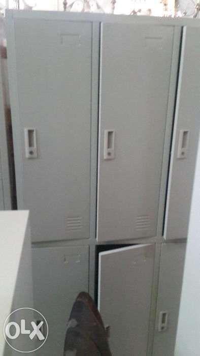 Cacifos metálico de 6 portas cor cinza. Com entrega e montagem.