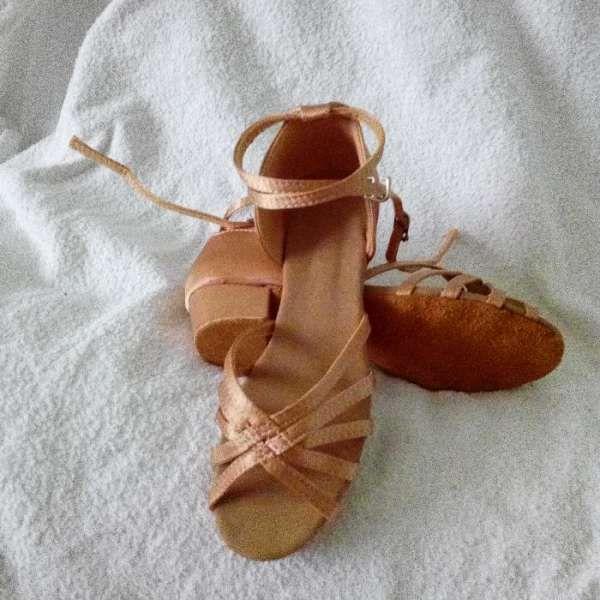 обувки(момиче) за спортни танци,салса,кизомба,танго-сате гр. София - image 1