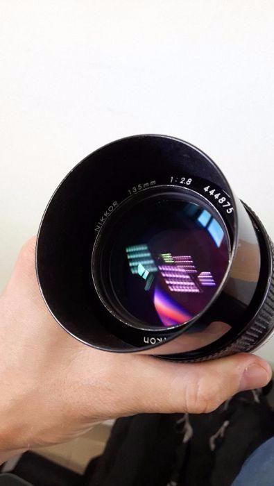 Nikon 135 mm 2.8 ais impecabil parasolar incorporat