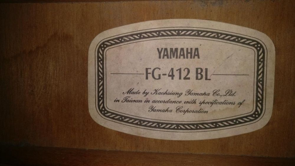 Fa-i surpriza! Chitara Yamaha FG 412 BL unicat, rar, ocazie, urgent