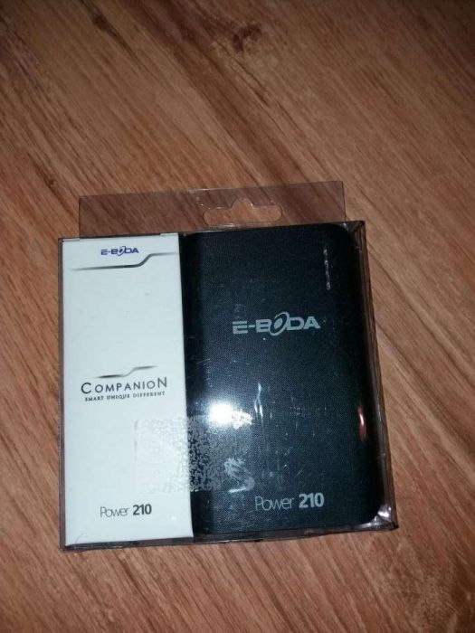 Baterie externa marca E-boda ,6000 amperi la 60 lei