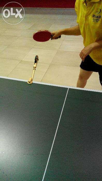 Тренажер для настольного тенниса