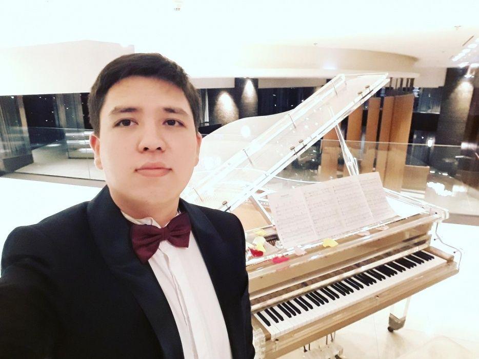 Пианист , музыкант