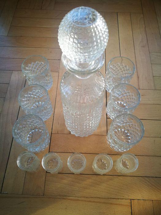 Гарафа с два комплекта чаши, ледарка и купичка на Oberglas Austria
