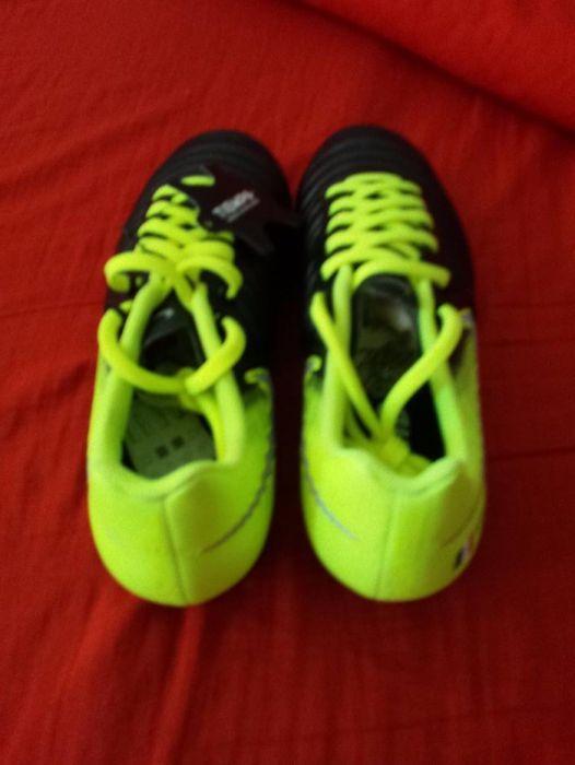 Ghete de fotbal Nike Tiempo