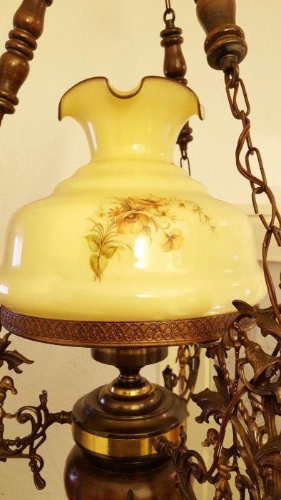Lustra vintage candelabru lemn si bronz - electrica