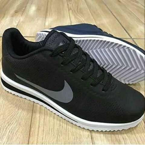Nova Nike cor preta