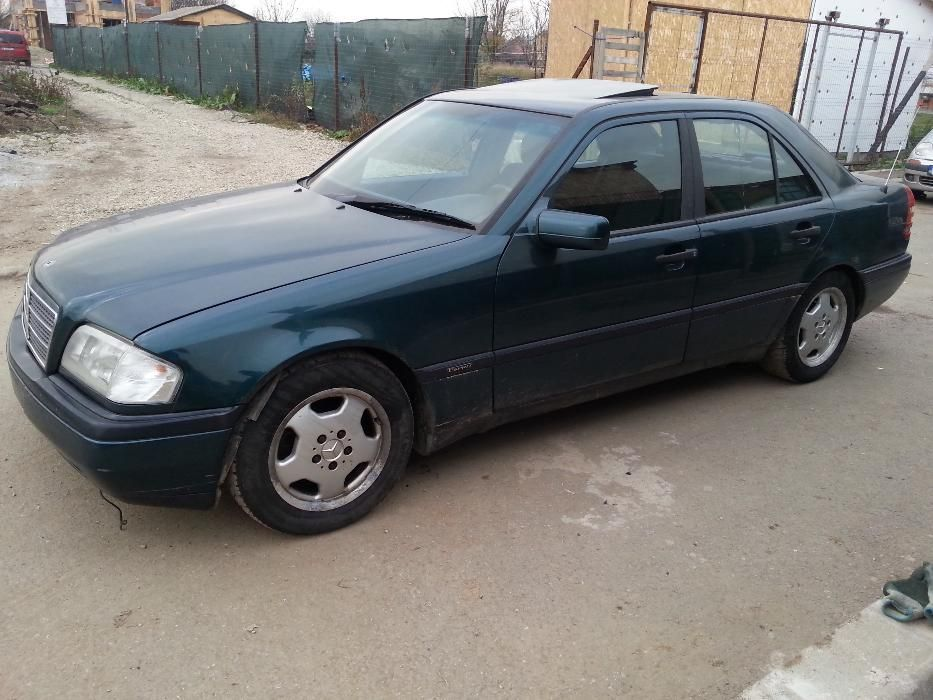 Dezmembrez Mercedes-Benz W202 C180i