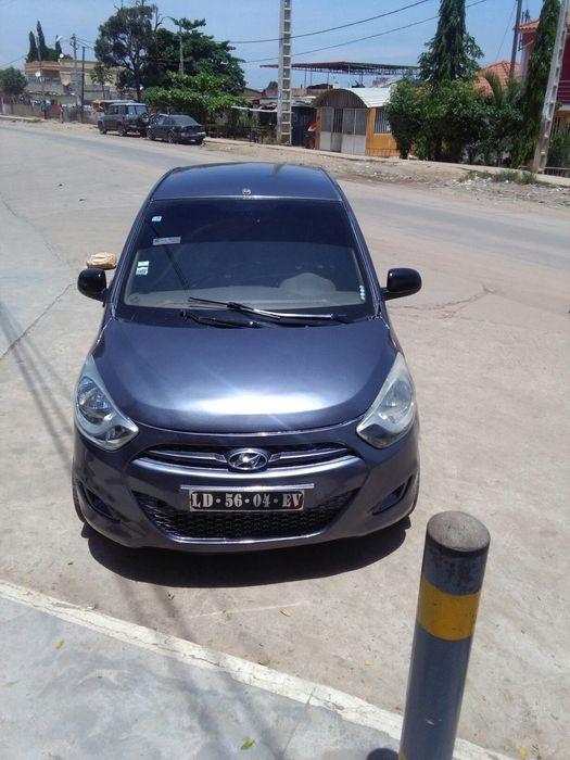 Hyundai i10 1.0 o motor seco, carro limpo ac precisa de manuntecao.