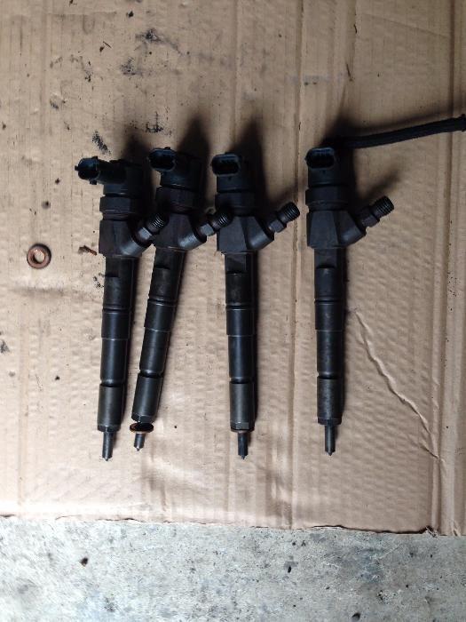 Injectoare opel vectra c,saab 9-3 , motor 1.9, 150 cp cod, 0445110159