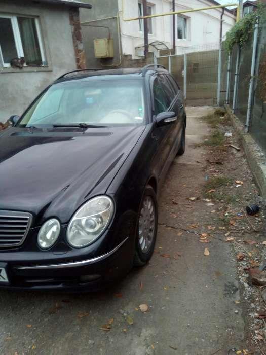 Dezmembrez Mercedes E classe w211
