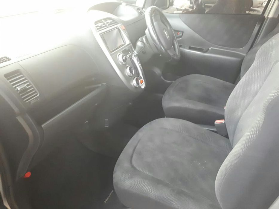 Toyota Ractis 1.5 Alto-Maé - imagem 5