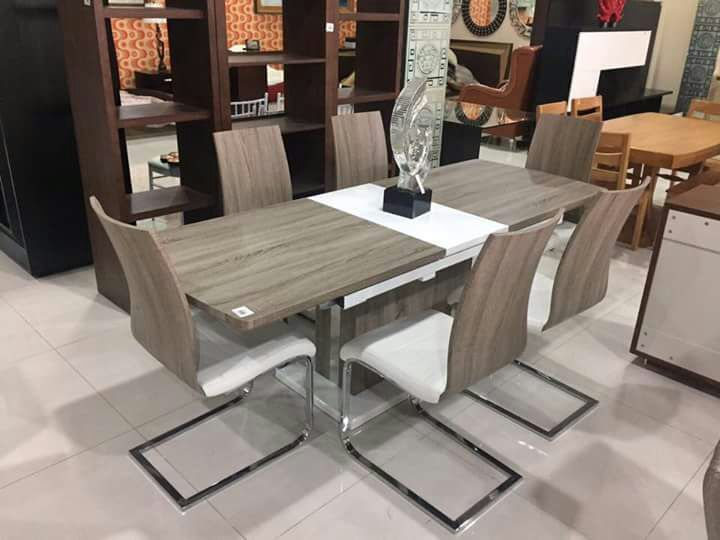 Mesa de jantar novo a venda