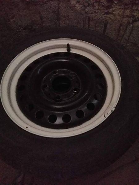 Зимни гуми с джанти за е36 или е46