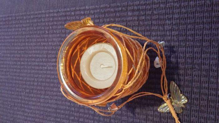 Висящ свещник, оранжев с декорации на пеперуди