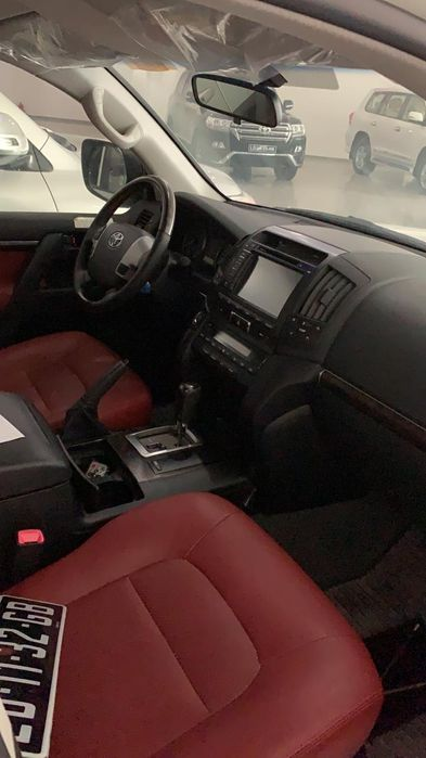 Toyota landecroser v8 gxr 28.000.000