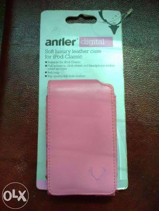 Husa noua i-pod piele lux moale Antler Anglia roz, neagra, crem, gri