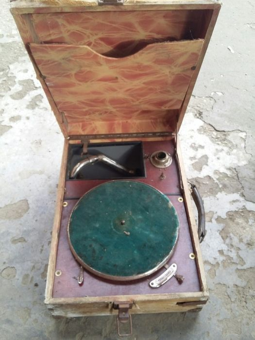 Стари грамофонни 2броя за части