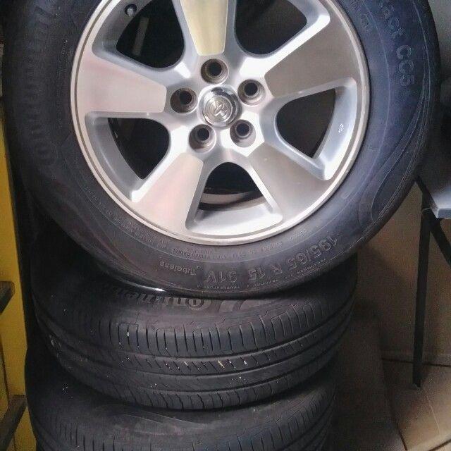 Jantes com pneus R15 5 furos para Toyota