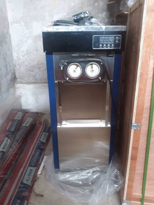 Máquina de fazer gelado novinha em folha