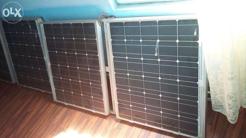 de vanzare panouri fotovoltaice + 2 baterii de 200 AH Constanta - imagine 1